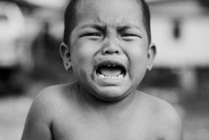 Por que os bebês choram?