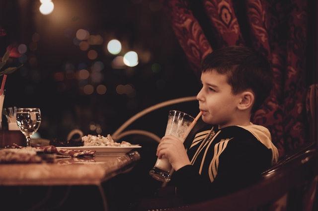 Seu filho come muito devagar?