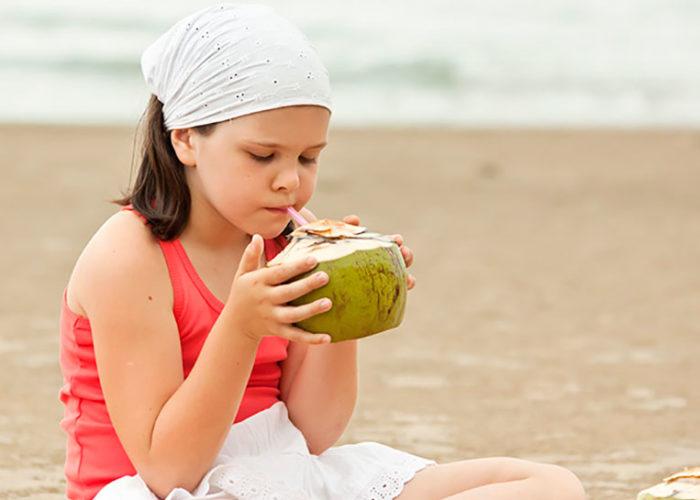 Ofereça Coco ao seu filho… muito nutriente em uma só fruta!