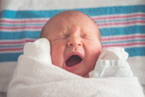 A cólica do bebê e a alimentação da mamãe