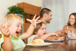 Meu filho come demais, o que fazer?
