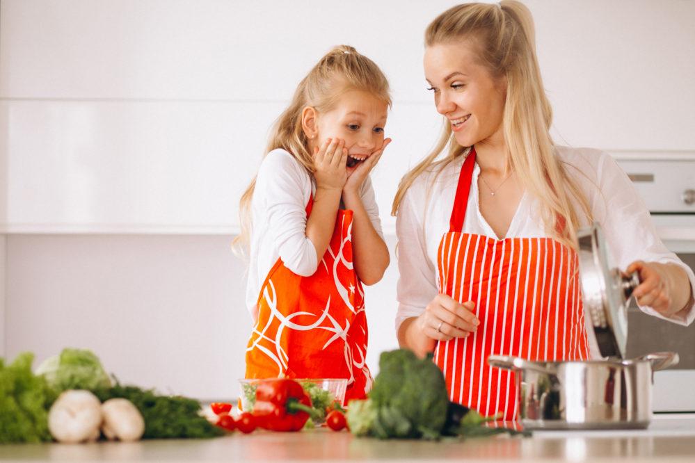 6 motivos para cozinhar com as crianças