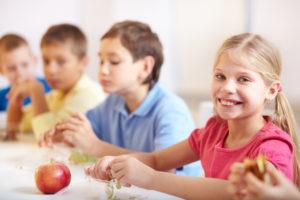Alimentação de volta às aulas: como ficar saudável?