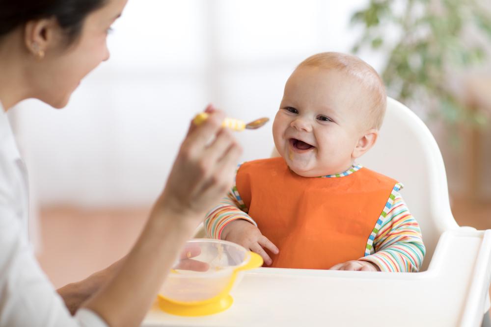 Papinha de bebê: o que você precisa saber antes da introdução alimentar