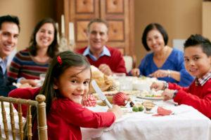 Read more about the article Alimentação infantil saudável nas festas de fim de ano é possível?