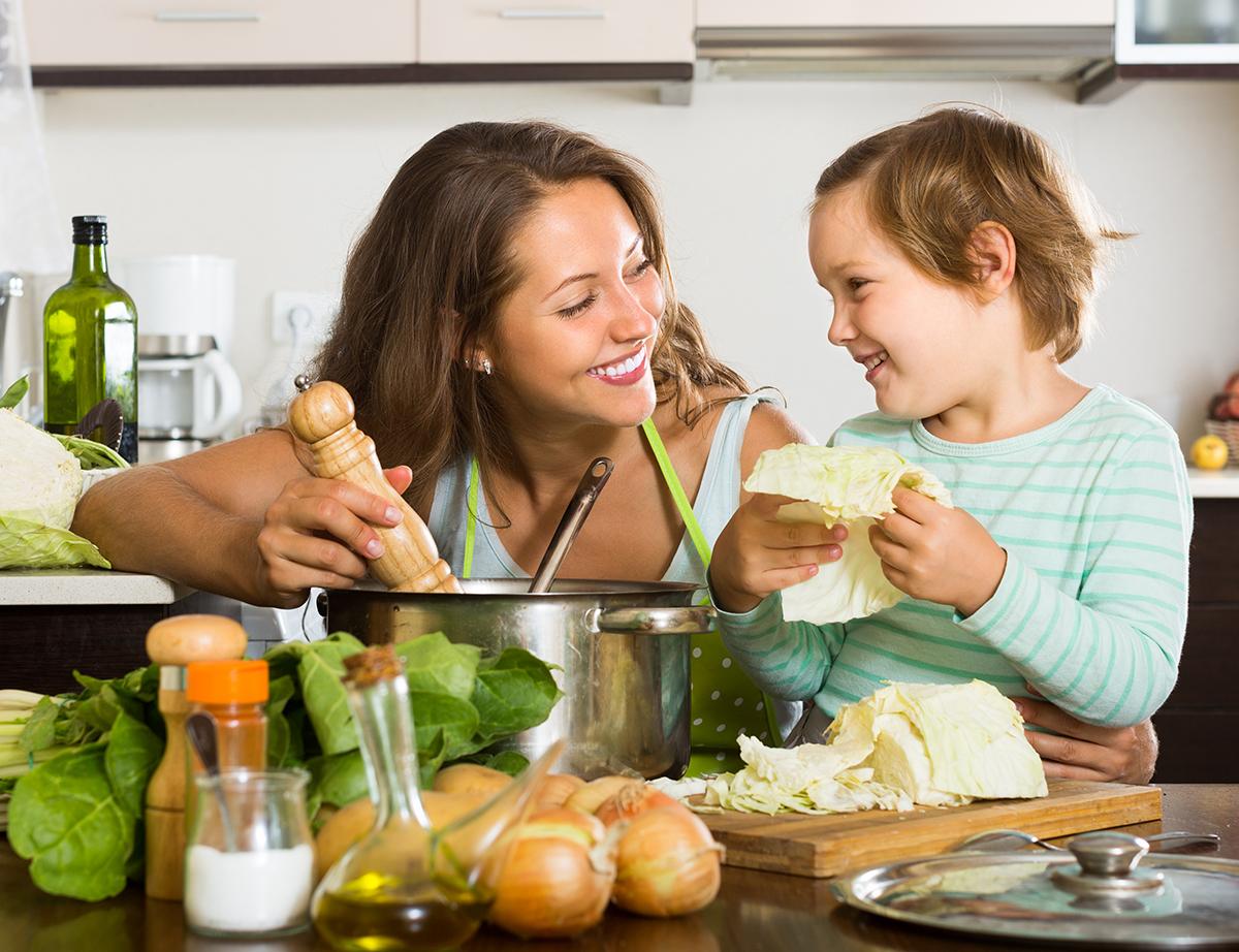 Read more about the article Cozinhar com as crianças: por que é importante?